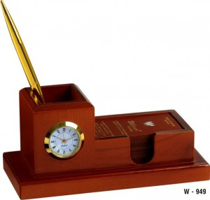 Clocks Are Good For Gifting They Prim And Proper High In Utility It Will Surely Help You To Know That We Have Huge Range
